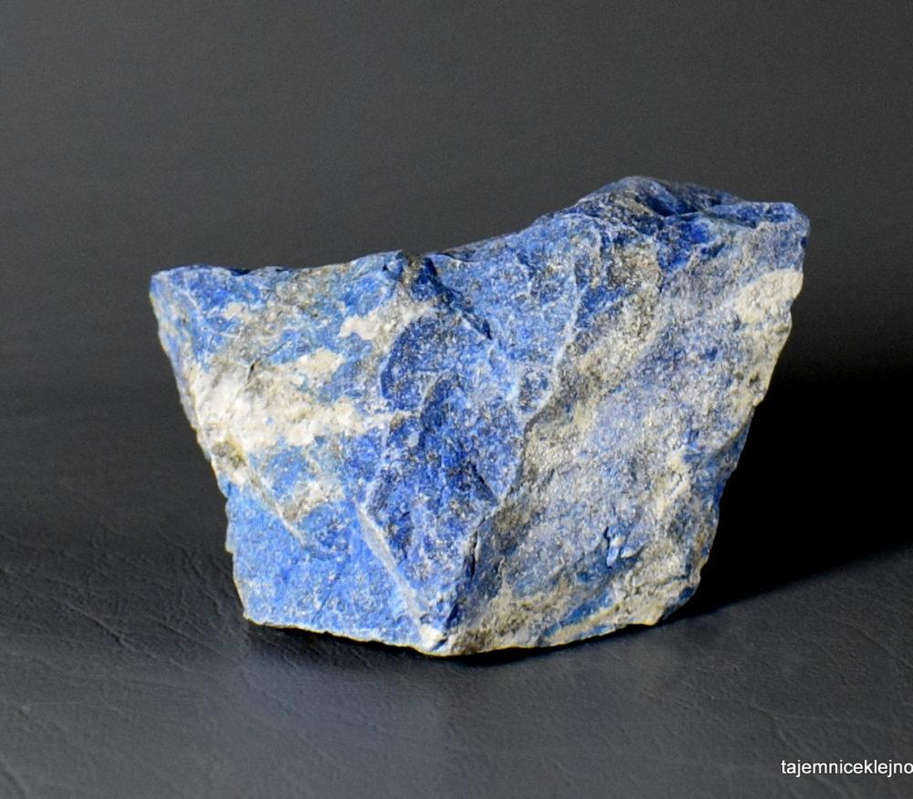 naturalny lapis lazuli