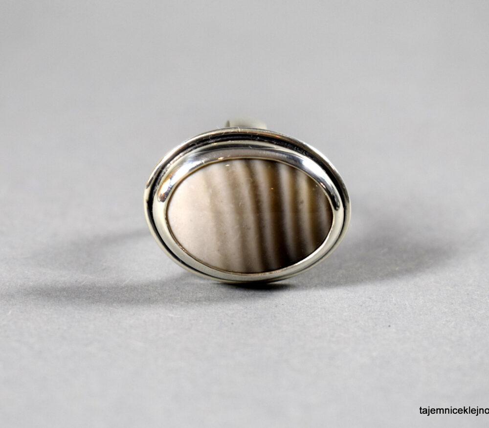 pierścionek srebrny z krzemieniem pasiastym
