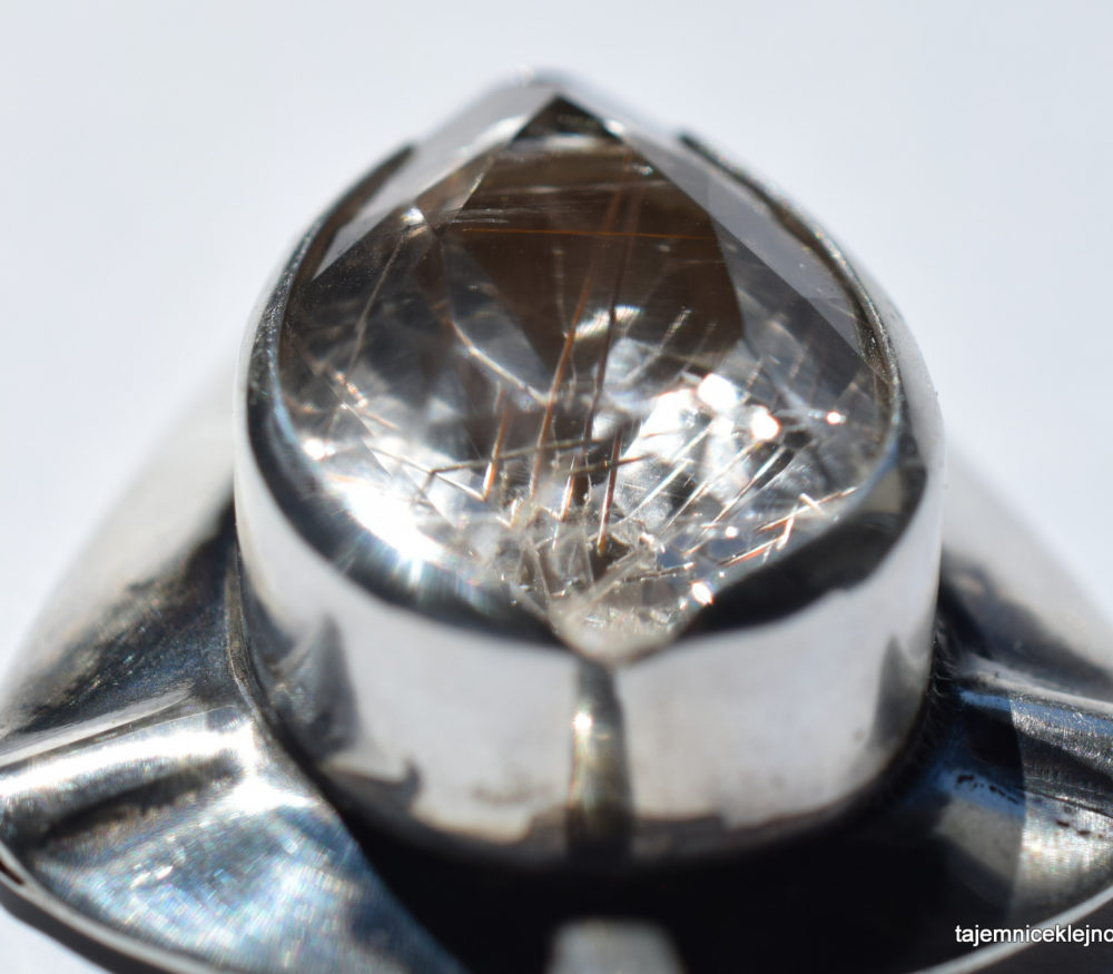 kryształ górski z rutylem