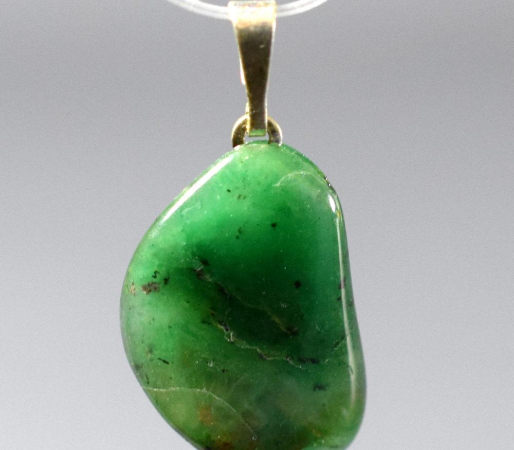 wisiorek chalcedon zielony