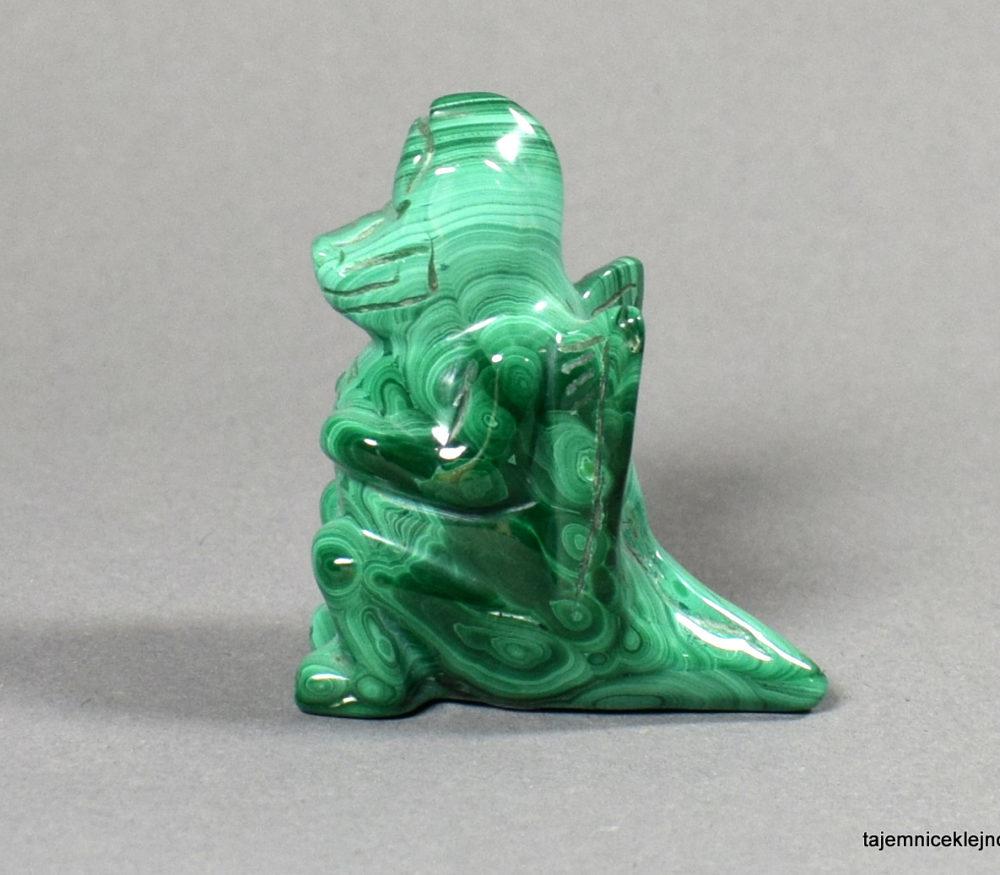 rzeźba z malachitu smok