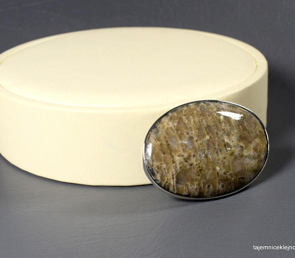 broszka srebrna z kamienia księżycowego