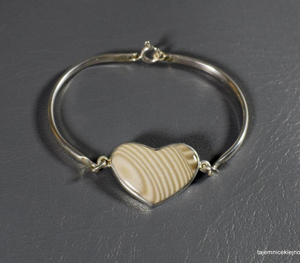 bransoletka srebrna z krzemieniem pasiastym serce