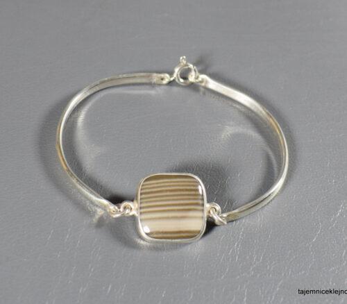 Bransoletka srebrna z krzemieniem pasiastym, Kwadrat