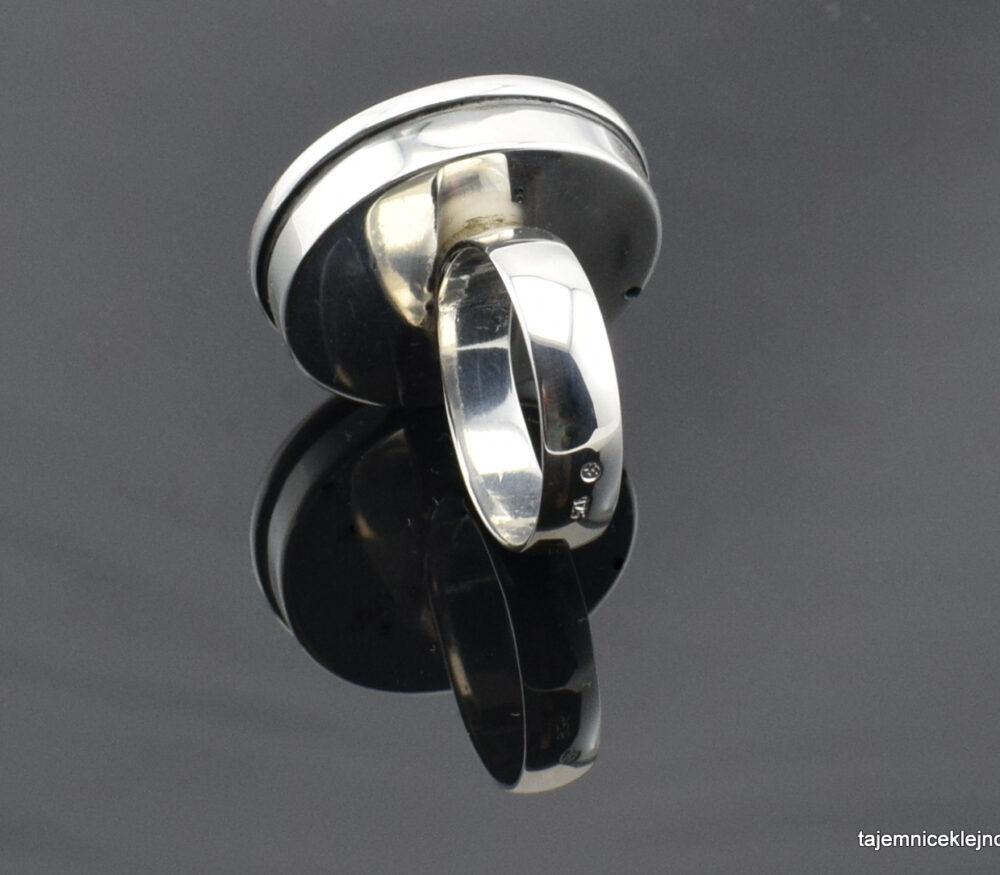 Pierścionek srebrny z chalcedonem z