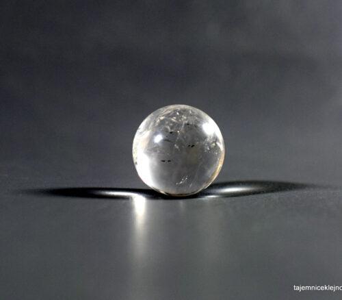 kulka z kryształu górskiego