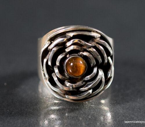 pierścionek srebrny z cytrynem