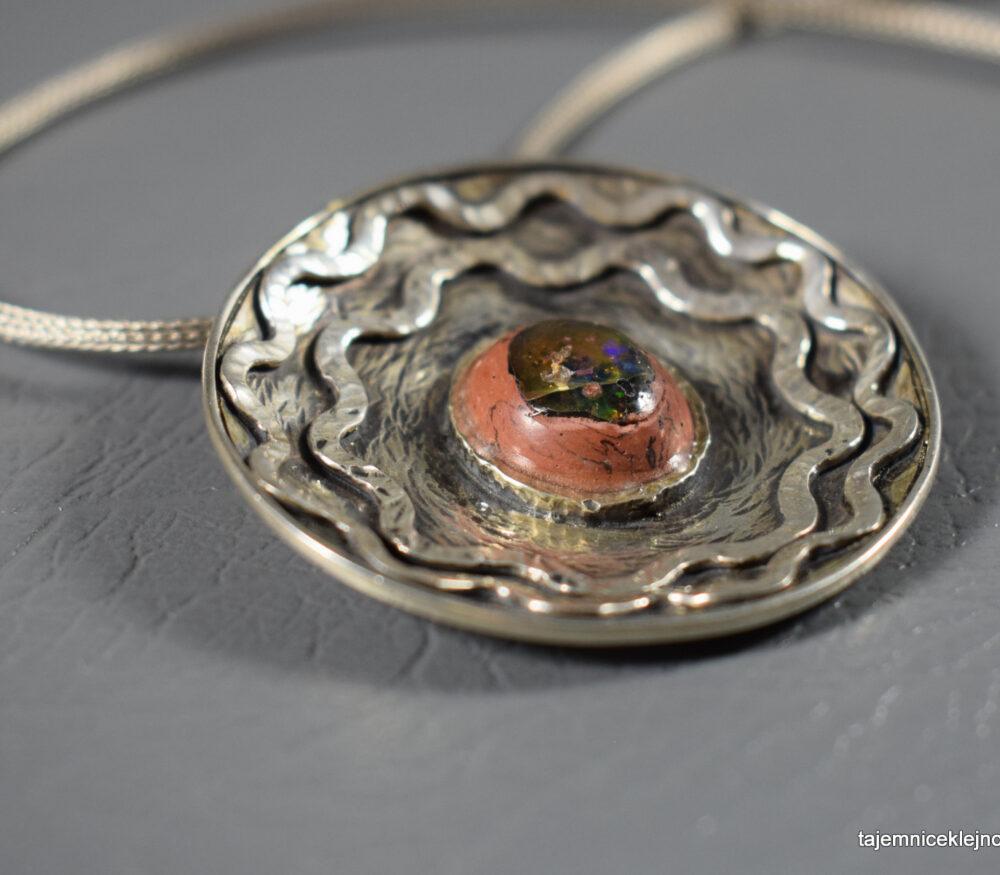 Wisior srebrny z opalem