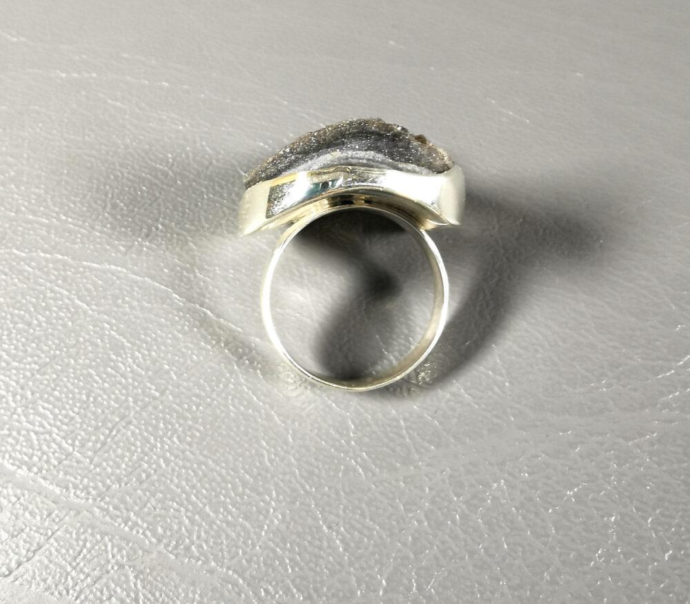 Pierścionek srebrny z chalcedonem
