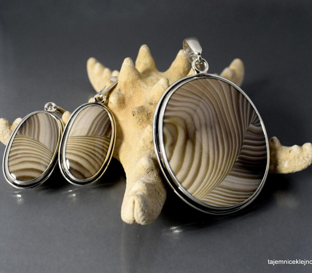 Komplet srebrny, wisior, kolczyki z krzemieniem pasiastym