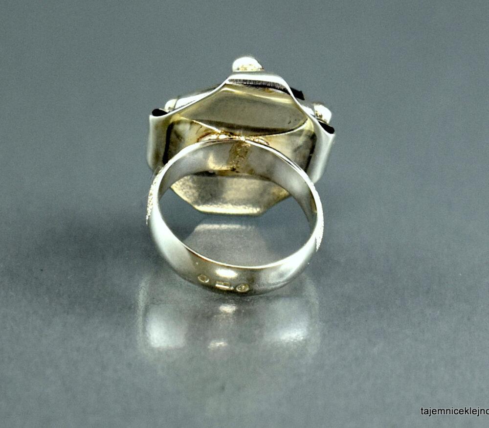Pierścionek srebrny z ametystem KORONA