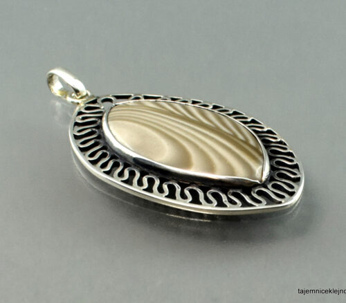 Wisior srebrny z krzemieniem pasiastym AŻUROWY LIŚĆ, biżuteria artystyczna, biżuteria handmade
