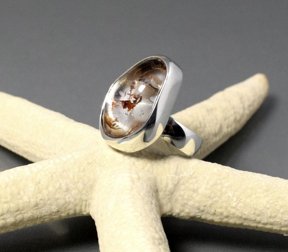 Pierścionek srebrny z kryształem górskim ŹRÓDŁO