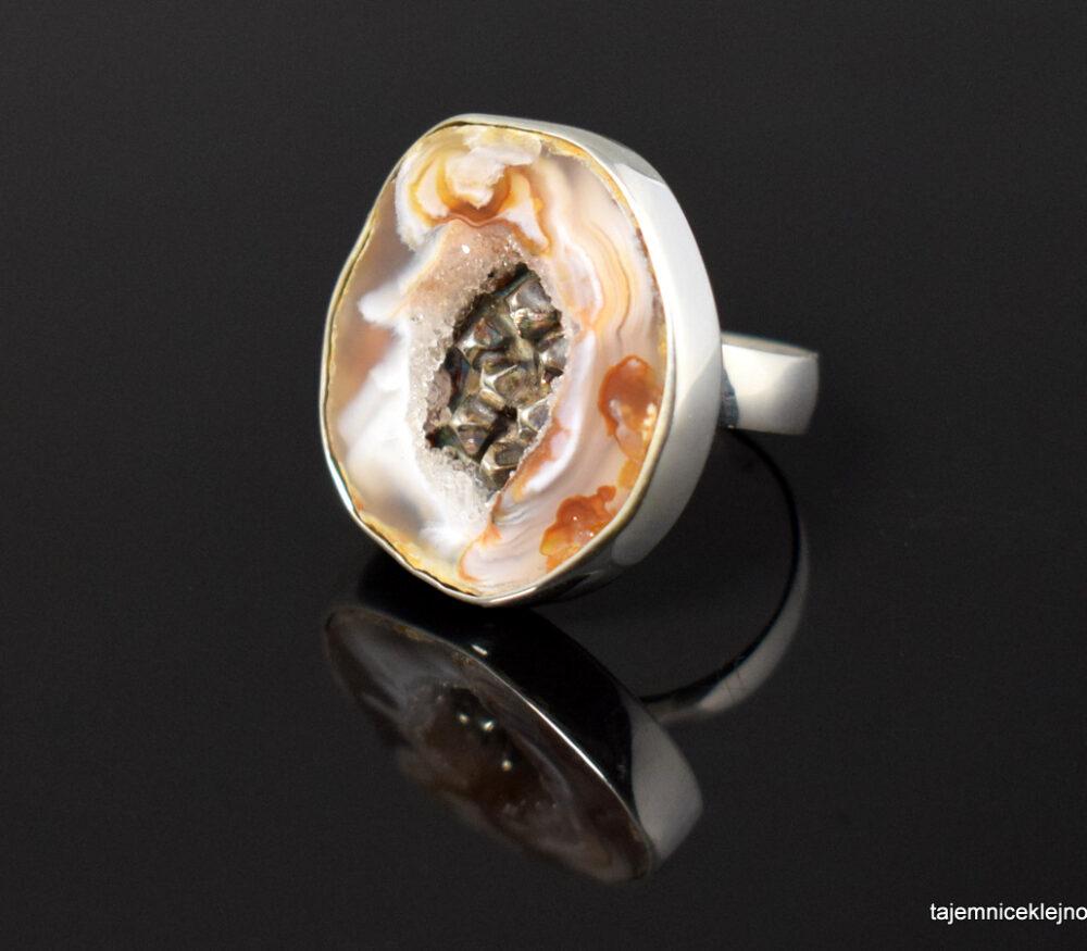 Pierścionek srebrny z agatem SREBRNE KRYSZTAŁKI